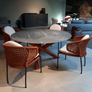Minotti - van Dyck met Aston Cord - Showroommodellen sale | Next Outdoor
