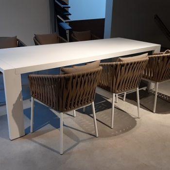 Panama tafel en Bitta stoelen - Showroommodellen sale | Next Outdoor